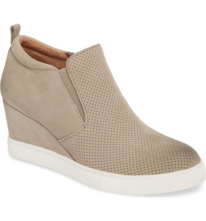 WedgeSneaker